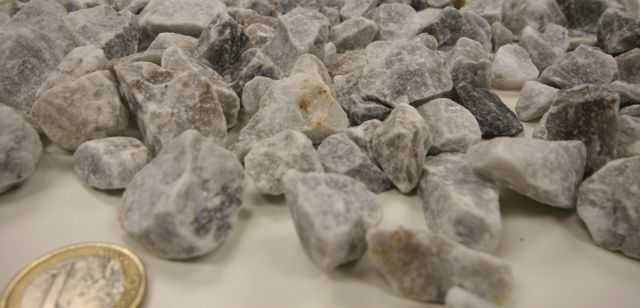 piedra triturada color gris perla