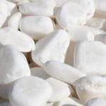 canto rodado translucido de alabastro blanco