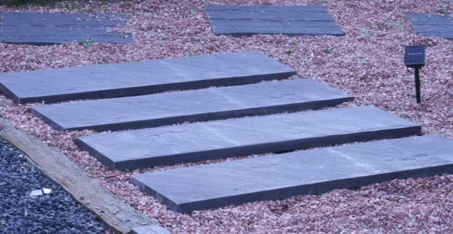Pizarra jardin Velestone Led, iluminacion jardin led, planchon pizarra